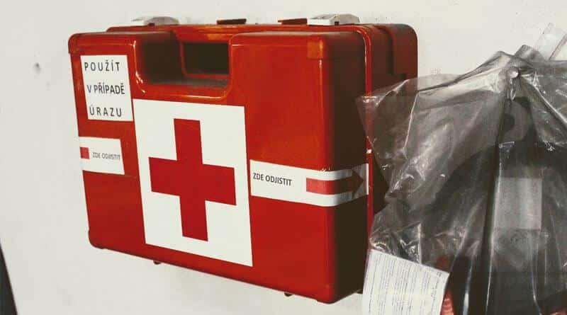 První pomoc při úrazech a zásady poskytování první pomoci